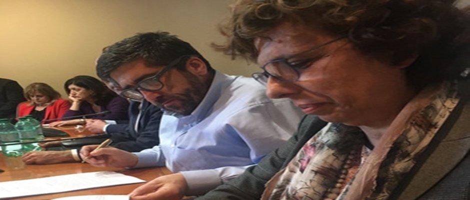 DIRIGENTI SCOLASTICI: firmato nuovo CCNL